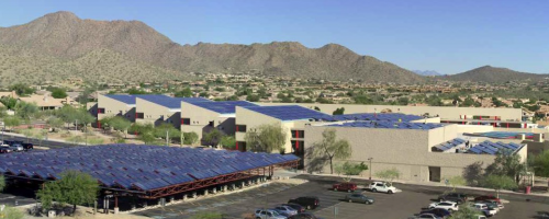 Solaranlage Desert Mountain High School. © Solid